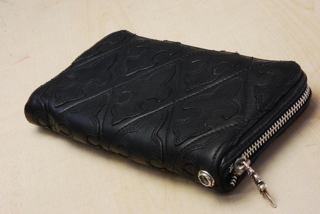財布にグロメットを取り付けました。